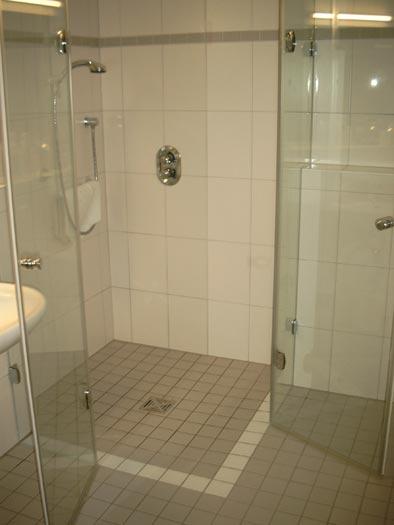 duschen badezimmerspiegel und mehr michael wippenbeck glas spiegel. Black Bedroom Furniture Sets. Home Design Ideas