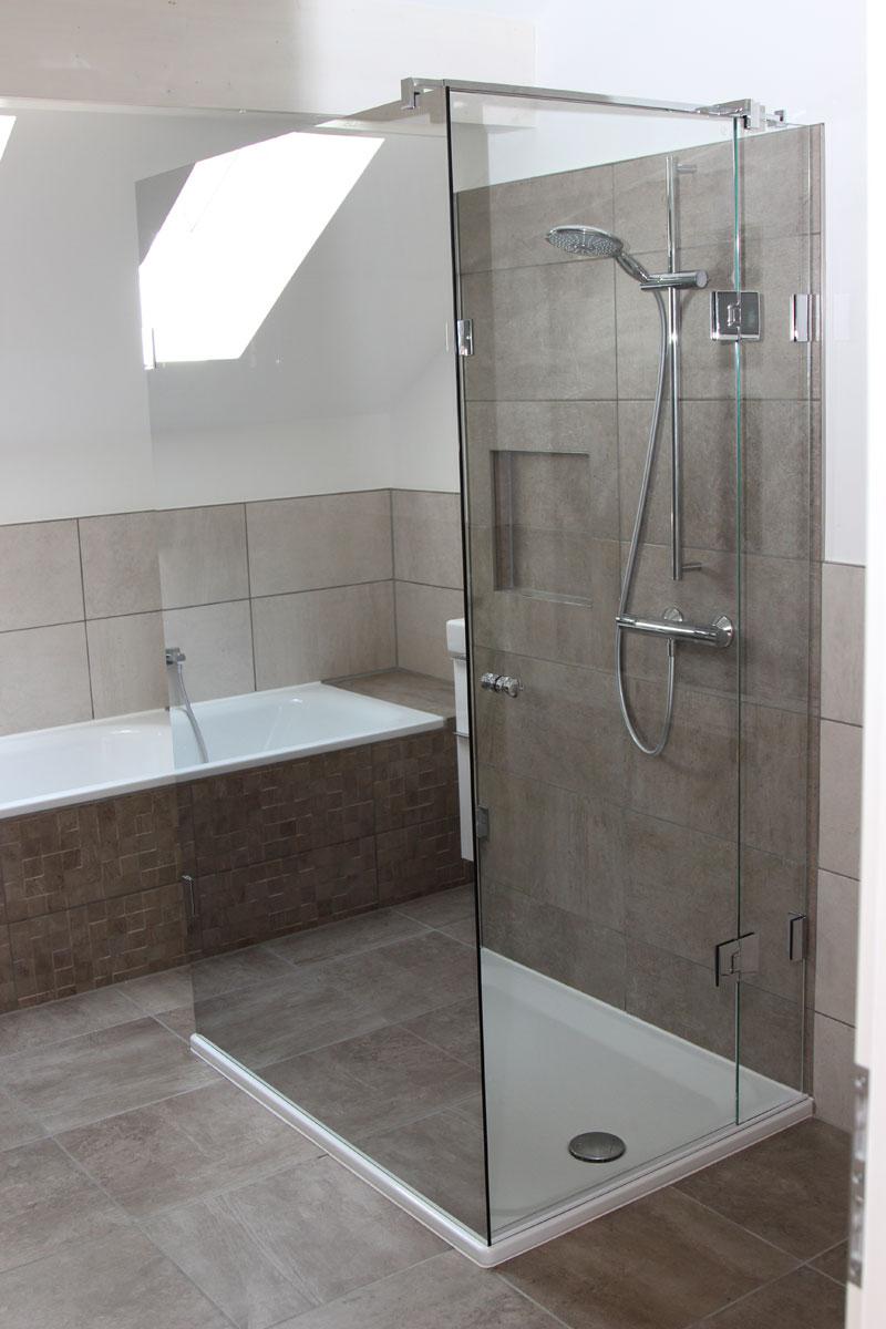 Verschiedene Spiegel Für Dachschräge Ideen Von Duschabtrennung Mit Verspiegeltem Sicherheitsglas